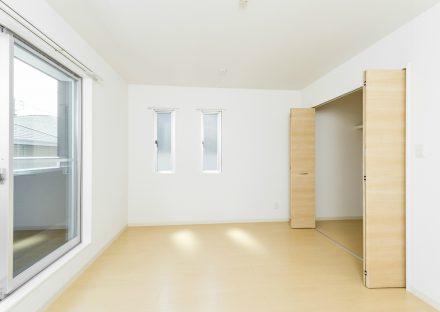 愛知県日進市のメゾネット賃貸のウォークインクローゼット付き洋室