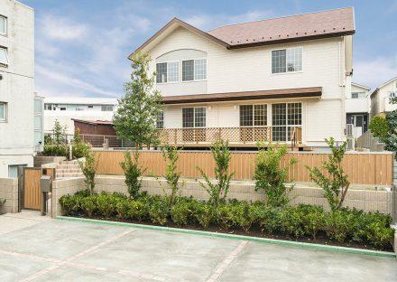 名古屋市名東区の植栽がきれいな注文住宅外観デザイン