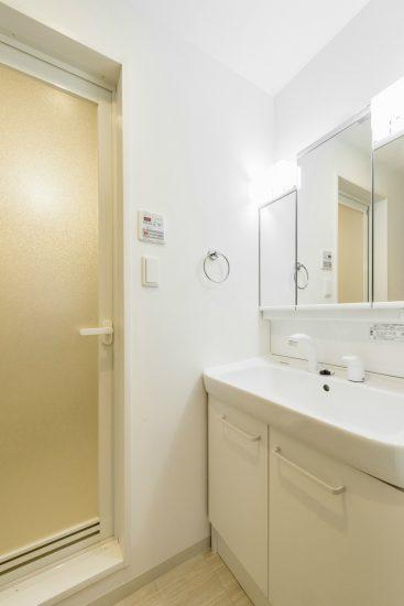 名古屋市中川区の賃貸マンションの横幅が広い洗面台