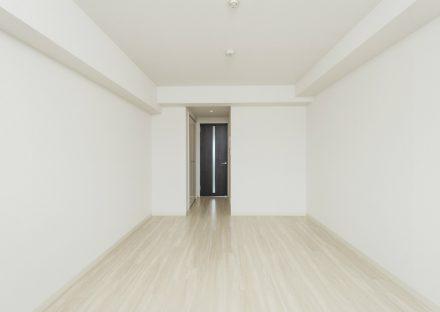 名古屋市中区の賃貸マンションの白を基調としたシンプルなLDK