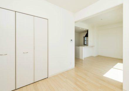 名古屋市西区の全室角部屋2階建てマンションの収納付きの収納付きのLDK