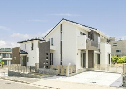 名古屋市名東区の戸建賃貸住宅の玄関の目隠しがおしゃれな戸建賃貸住宅