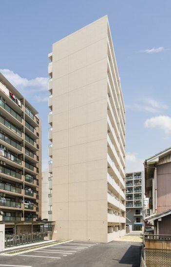 名古屋市中区の横に駐車場が付いた賃貸マンション