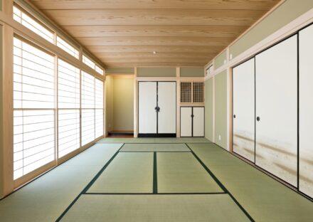 名古屋市緑区の注文住宅の障子と襖の付いた床の間のある和室