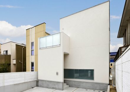 名古屋市名東区の注文住宅のシンプルモダンな外観デザイン