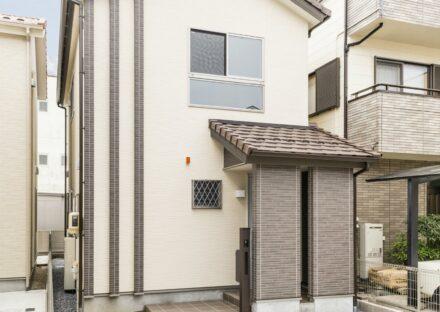 名古屋市西区の戸建賃貸の落ち着いた色づかいの外観デザイン