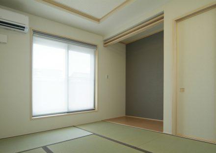 愛知県豊田市の注文住宅の折り上げ天井のあるシンプルなデザインの和室