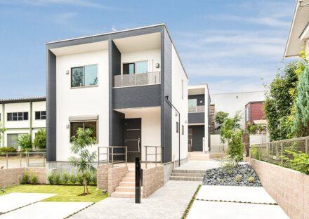 名古屋市天白区の戸建賃貸住宅のおしゃれにデザインされた外構と建物