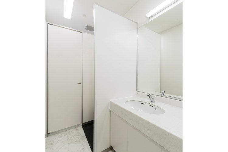 事務所施工例(名古屋市名東区) 2F男子トイレ