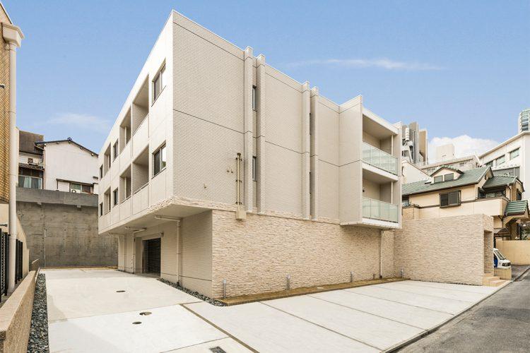 名古屋市千種区のベランダ部分が飛び出ている外観デザインの賃貸マンション