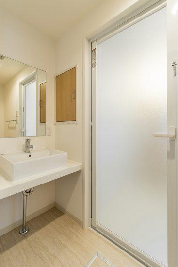 名古屋市千種区の賃貸マンションのスクエアの洗面ボウルがおしゃれな洗面室