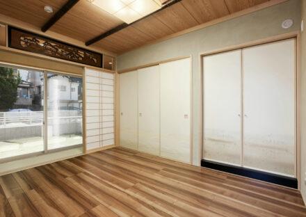 名古屋市千種区の注文住宅の欄間・障子・襖付きのフローリングの和室