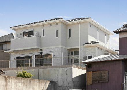名古屋市千種区のバルコニーの付いた2階建て注文住宅外観デザイン