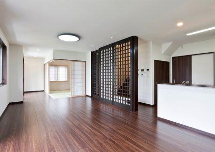 名古屋市名東区の注文住宅の和室があるリビングダイニング