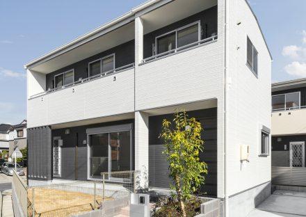 名古屋市名東区の戸建賃貸住宅の植栽のあるモダンテイストの外観デザイン