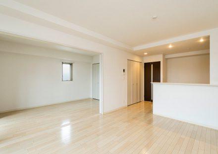 名古屋市東区の賃貸マンションの白を基調としたLDK+洋室