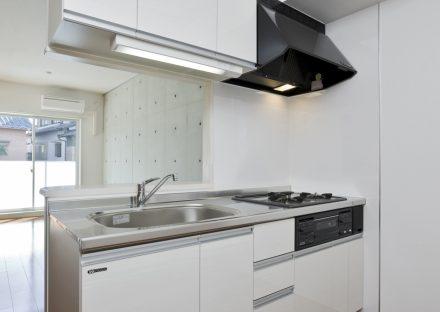 名古屋市天白区の2階建て賃貸マンションのガスコンロ付きのオープンキッチン