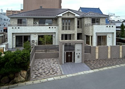 愛知県豊田市の注文住宅 重厚感のある外観デザイン