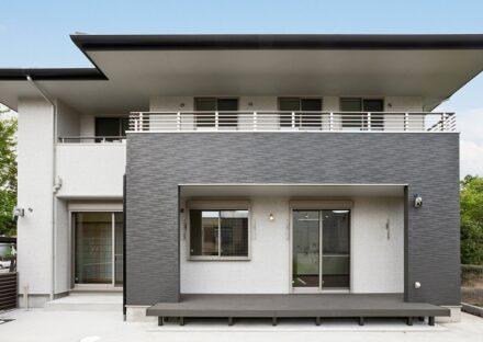 名古屋市名東区の注文住宅のモノトーンの外観デザイン