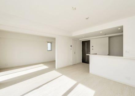 名古屋市名東区の賃貸マンションの洋室と合わせて使う事も出来るLDK