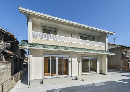 名古屋市南区の注文住宅の日当たりが良くバルコニーが広いデザイン
