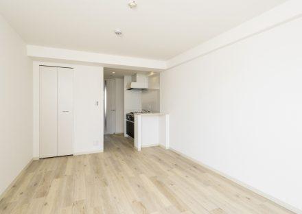 名古屋市中村区の賃貸マンションの白を基調とした収納付きワンルーム