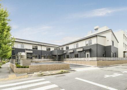 名古屋市名東区の介護施設建物外観&駐車場
