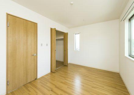 名古屋市北区のメゾネット賃貸のウォークインクローゼット付洋室