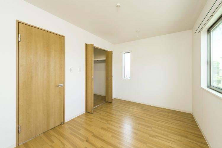 名古屋市北区のメゾネット賃貸のウォークインクローゼット付き洋室