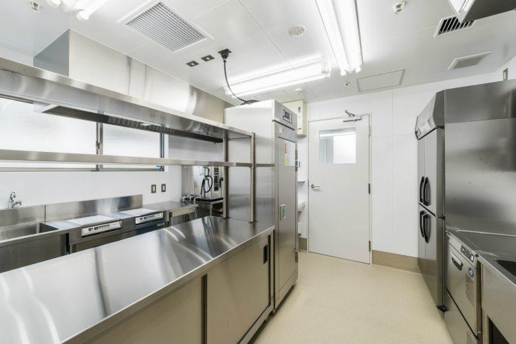 名古屋市名東区の介護施設の設備の整った厨房