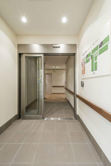 名古屋市名東区の小規模多機能型居宅介護  玄関