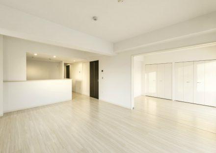 名古屋市西区の賃貸マンションの洋室とつながる広いLDK
