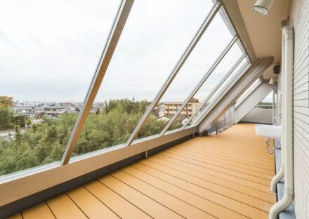 愛知県豊田市の賃貸併用住宅のオーナー邸:景色のいい6階テラス