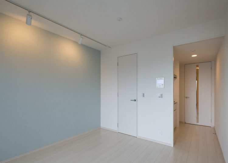 名古屋市中村区のワンルームマンションの間接照明のあるリビングダイニング
