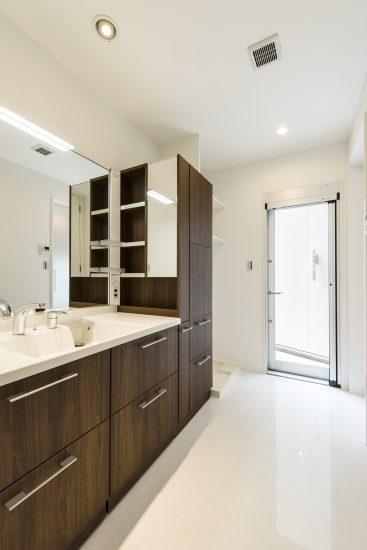 名古屋市千種区の注文住宅の洗面室
