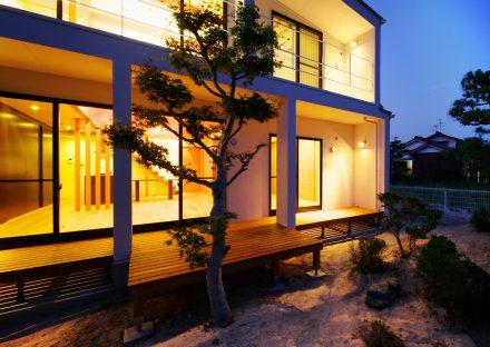 名古屋市守山区の注文住宅のスクエアを基調としたシンプルなデザインの外観