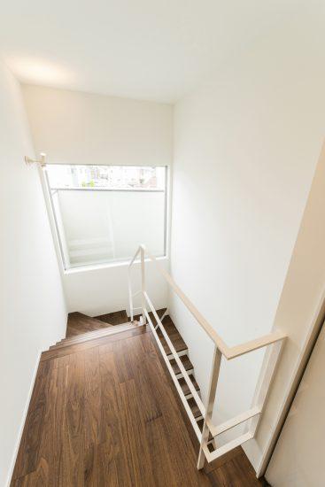 名古屋市千種区の注文住宅 階段