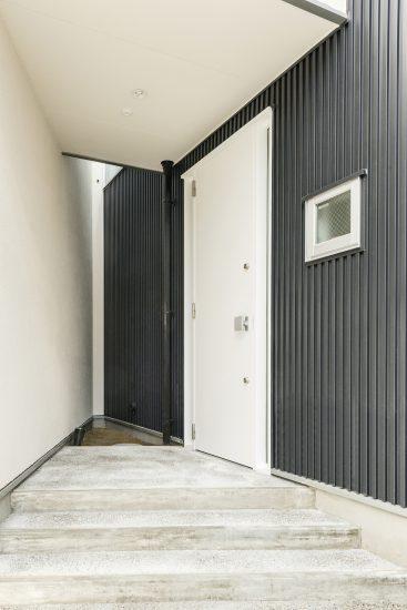 名古屋市守山区の注文住宅玄関