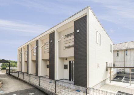 愛知県日進市のシンプルなデザインのメゾネット賃貸アパート外観