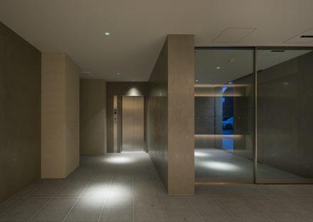 名古屋市中村区のワンルームマンションの高級感あるエントランスホール