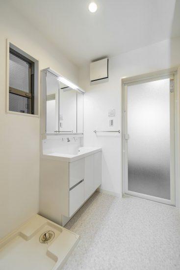 天白区の木造2階建て貸家 洗面室