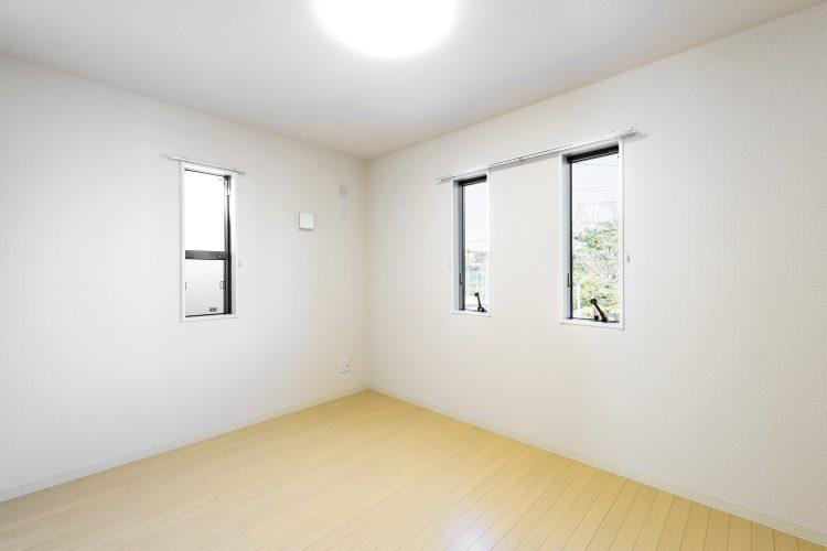 天白区の木造2階建て貸家 洋室