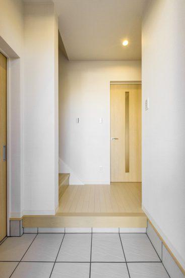 天白区の木造2階建て貸家 玄関