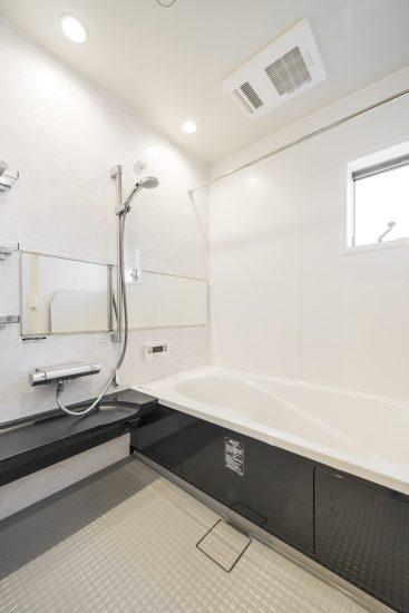 天白区の木造2階建て貸家 バスルーム
