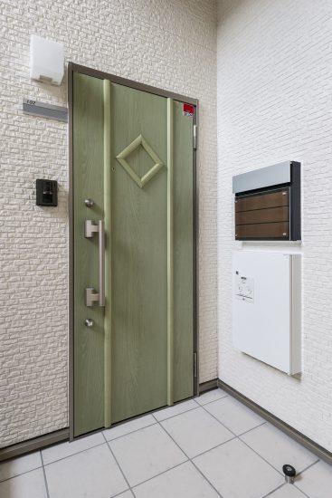 名古屋市南区の賃貸アパート玄関
