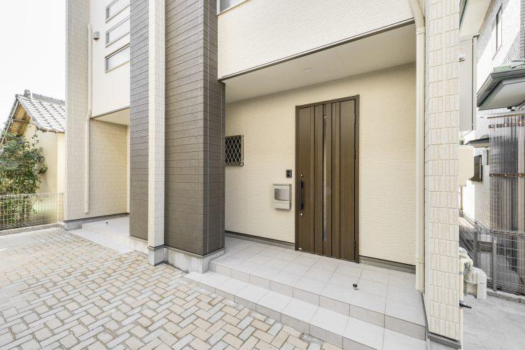 中川区の戸建賃貸住宅 B棟玄関アプローチ