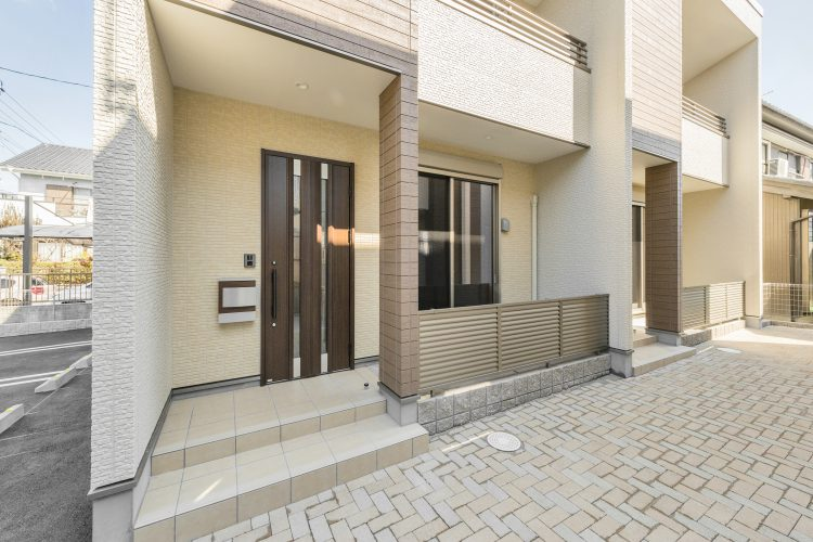 中川区の戸建賃貸住宅 玄関アプローチ