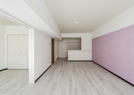名古屋市瑞穂区のカラフル賃貸マンション施工事例 ピンクのLDK