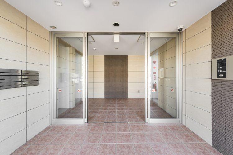 名古屋市瑞穂区のカラフル賃貸マンション施工例 エントランスホール1
