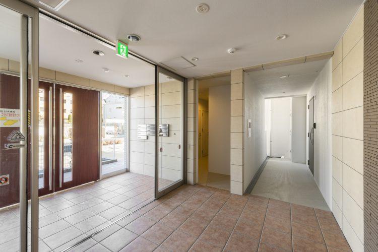 名古屋市瑞穂区のカラフル賃貸マンション施工例 エントランスホール2